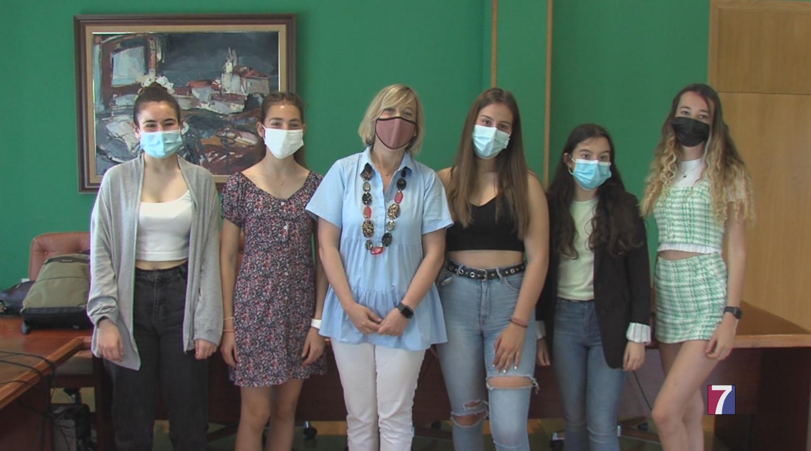 Alumnas del IES Muskiz ganan un premio por su proyecto para recoger plásticos de los mares